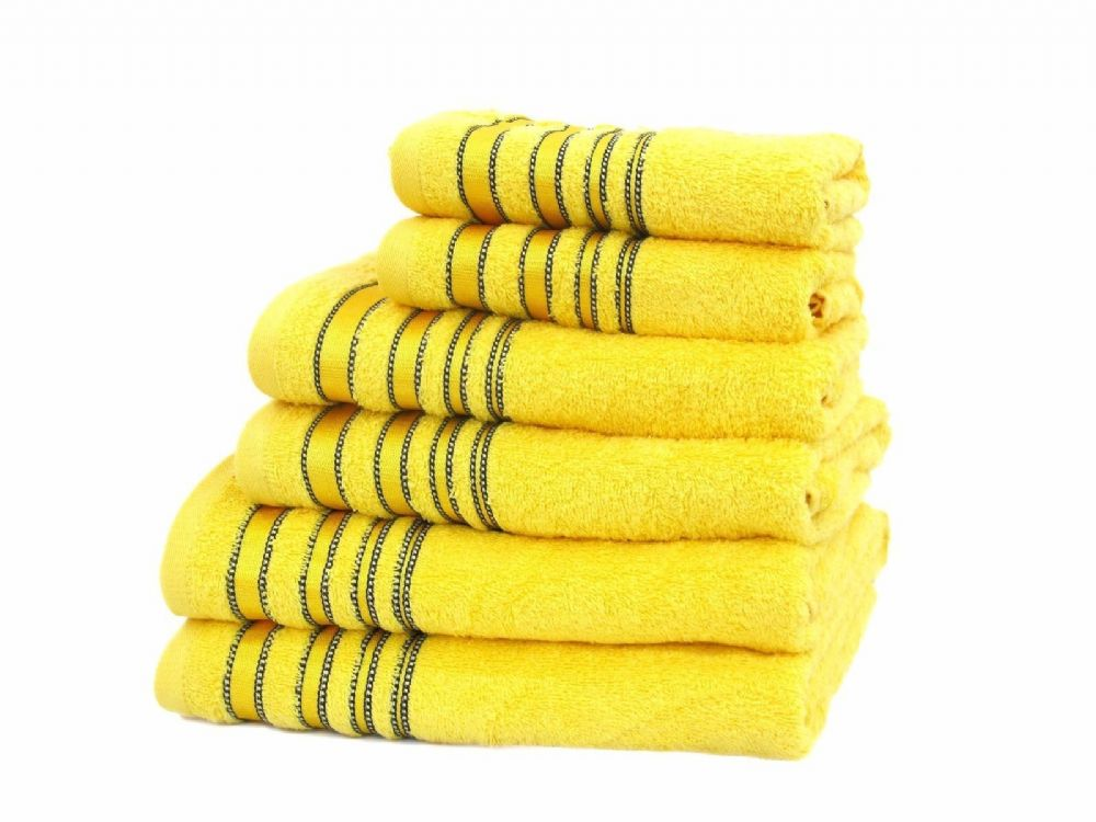 Soft on your skin, our hand towels come in a range of thicknesses to please you, no matter how fluffy and absorbent you prefer. Check out all the patterns and colours, too – new towels are a great way to give your bathroom a quick makeover.